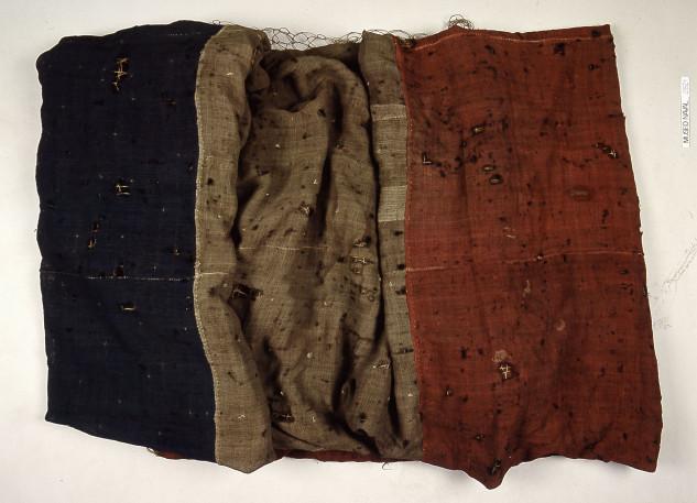 """La bandera del Atlas está actualmente expuesta en el Museo Naval de Madrid, y es cuando menos sorprendente que no se haga referencia explícita al hecho histórico (uno de los más relevantes a nivel marítimo de la Guerra de la Independencia) en el cual hombres en gran parte de la Casa Armadora de Marcó del Pont y por otra parte patriotas vigueses, fueron los únicos artífices de la histórica gesta. Este barco de doble puente, que había sido construido en Cartagena por el sistema inglés o de Jorge Juan era botado en 1754 con el nombre de """"San José"""". Una vez capturado en Vigo pasó a formar parte de la flota de Brigadier Salcedo con el nombre de """"Atlante"""". Fue desguazado en 1817"""