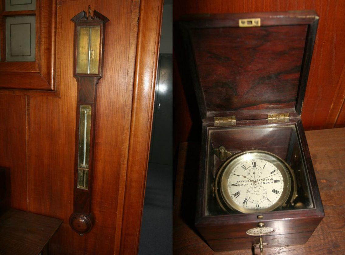 """Estación meteorológica y reloj de bitácora del """"bergantín-goleta"""" Faro de Vigo (Colección Familia Yáñez)"""