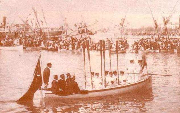 En 1877 Alfonso XII se acercó al Mediterráneo para presentar una competición de remo (Archivo RCMM).