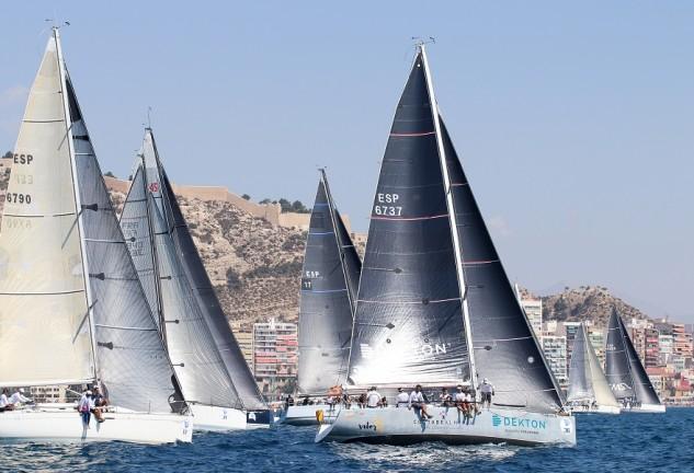 La regata organizada por el Club de Mar Almería y que se celebra es fin de semana, es puntuable para la Copa de España Crucero ORC Zona Sur y puntuable para el Campeonato de Andalucía de Crucero Circuito (Foto Pep Portas)
