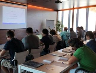 Los alumnos del seminario realizaron las clases teórica en el Barceona International Sailing Center de Barcelona